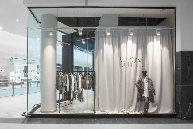Butik ŁUKASZ JEMIOŁ w Posnania Shopping & Lifestyle w Poznaniu