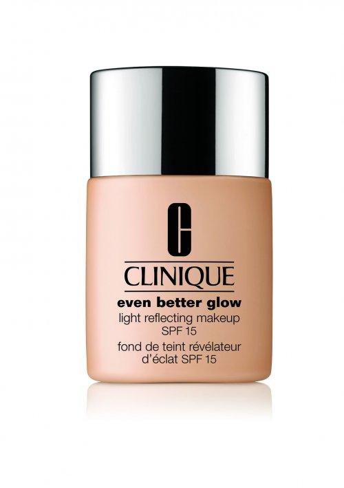 Clinique Even Better Glow Light Reflecting Makeup SPF 15