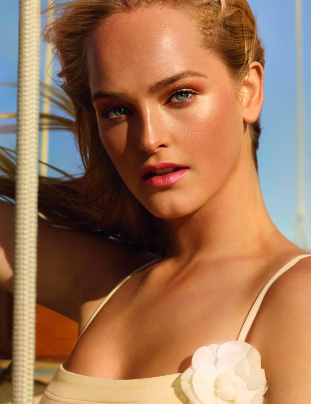 CHANEL Les Beiges Summer Of Glow