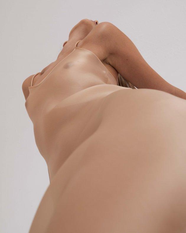 Moye Nude